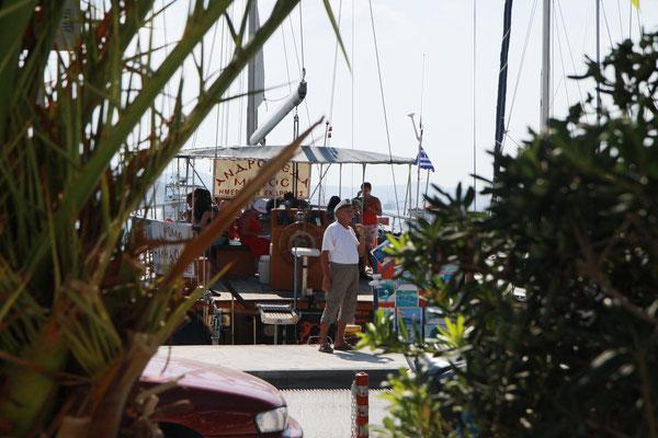 werben um Kundschaft für den Bootsausflug