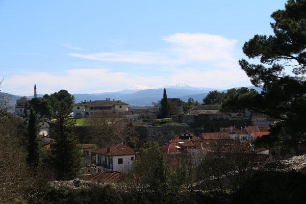 Festungshügel mit Blick Richtung Tzoumerka Bergmassiv