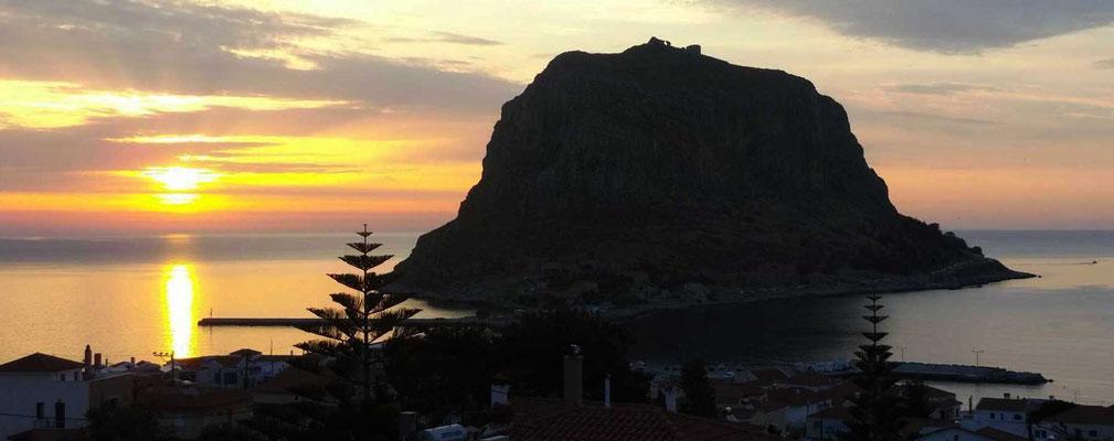 Monemvasia morgens bei Sonnenaufgang