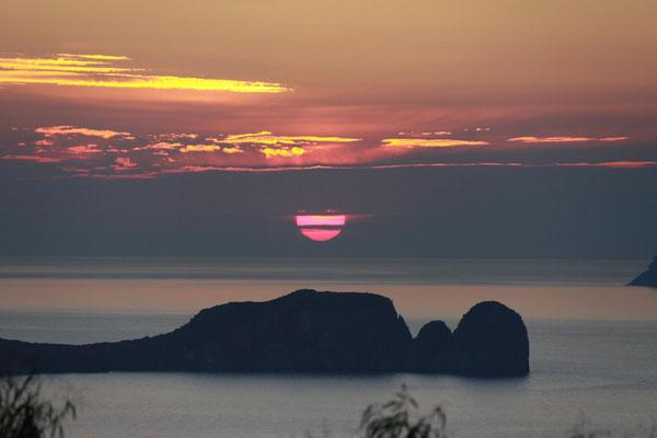 die Sonne kurz vorm Untergang
