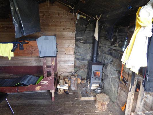 Übernachtung in einer 400 Jahre alten Schutzjhütte