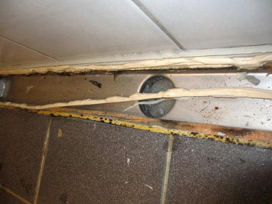 Fugensanierung in Sanitärraum