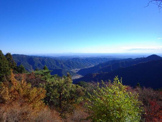 滝本駅到着。滝本平から関東平野が望めます。いい天気♪