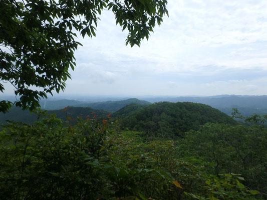 低山ですが、山並みが綺麗でした。