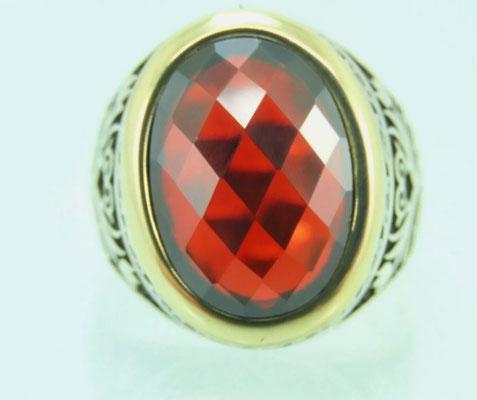 рубин в мужском кольце
