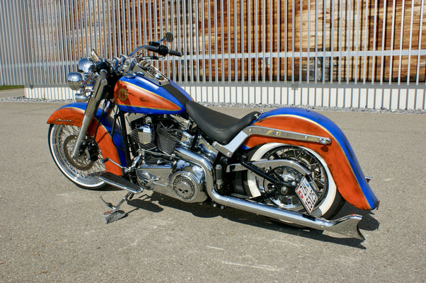 Harley Davdison Softail Deluxe Chicano with Fishtails