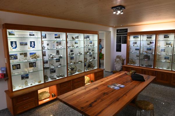 Im Mineralienmuseum in Fäld