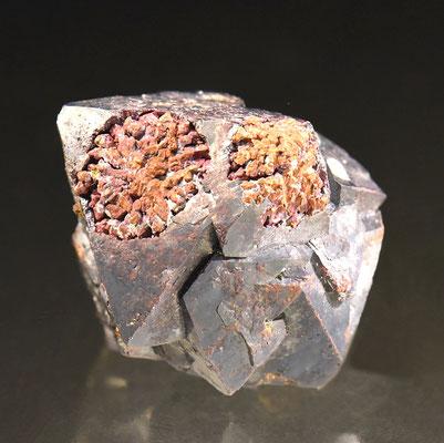 Pseudomorphose Kupfer nach Cuprit; F: Rubtsovskoe, Russland; B: 4cm; Sammlung F. Mattenberger.<br>Foto: Copyright © 2018 by Olivier Roth, Switzerland