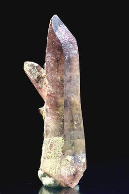 Quarz mit Hämatit; F: Vals, GR; H: 6cm; Sammlung R. Meyer. Foto: Copyright © 2017 by Olivier Roth, Switzerland