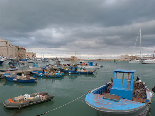 Trani, the fishermen port