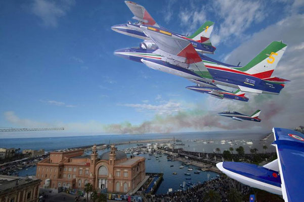"From the official ""Frecce Tricolori"" Facebook page: the Italian National Acrobatic Patrol exhibition in Bari"