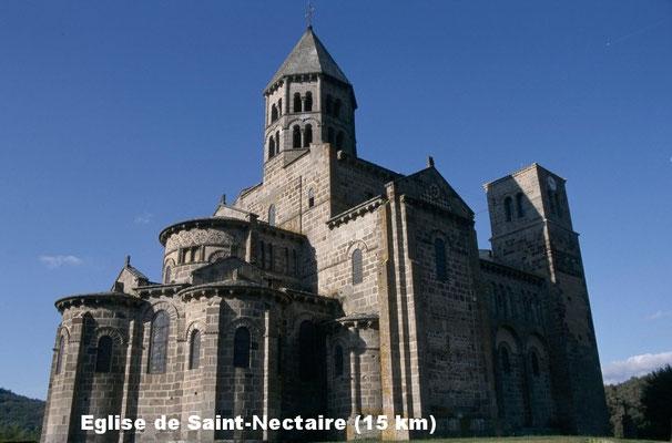 Eglise de Saint-Nectaire (15 km)