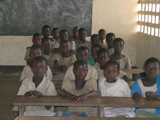 Kinder in der Schule von Fazao