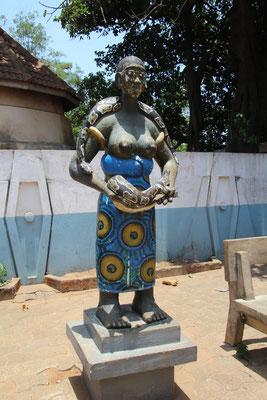 Statue mit Python