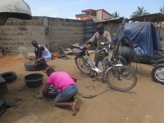 Das Fahrrad ist Repariert