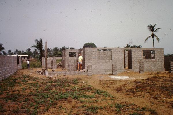 Haus im Rohbau 1990