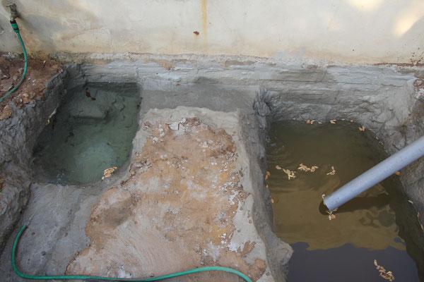 16.12.2016 Das kleine Becken wurde gefüllt mit Wasser aus dem Brunnen das Grosse mit dem Rostwasser aus der Forage.