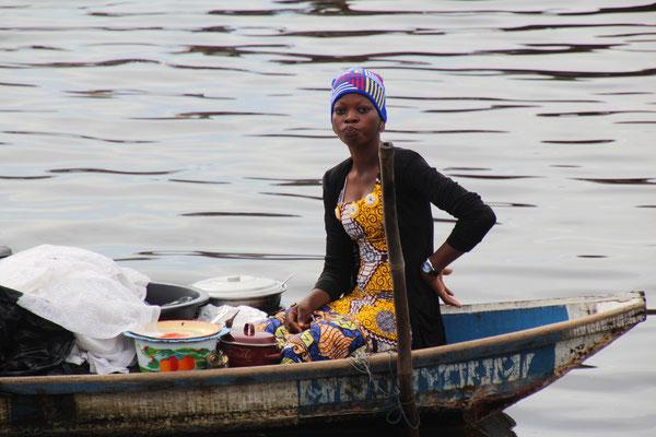 Junge Marktfrau