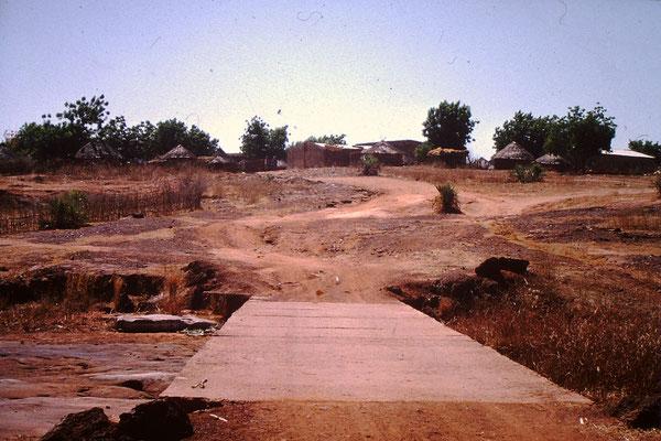 40. Landschaft bei Bamako, mit dem Fluss Niger.