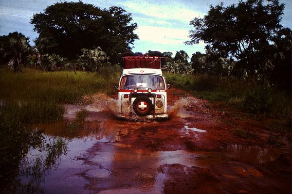 1.  In Mali waren die Pisten alles andere als Optimal.
