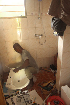 29.01.2015 Amassou Koffi Toussant der Sanitär