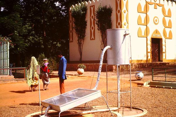 Auch Futuristisches hatte es im Museum. Die ist ein Prototipp eines Solarboilers.