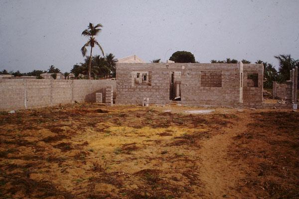 Das Wohnhaus im Rohbau 1990