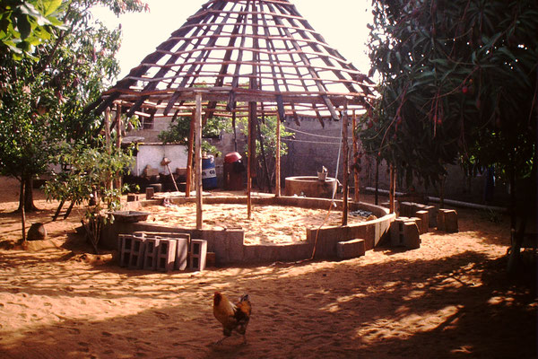 Paillote im Rohbau, circa 1996