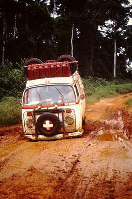 4. Mit meinem VW Bus durch den Schlamm.
