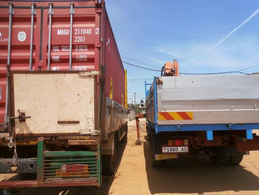 Der nun leere Container sollte abgeladen werden