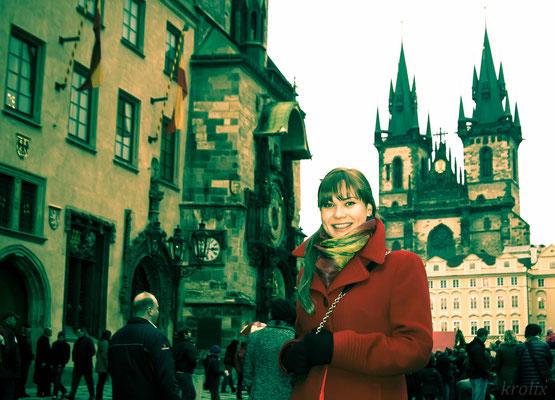 Маша рядом со Староместской площадью