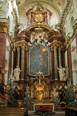 В костеле в центре Праги