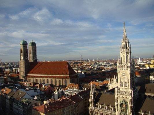 Вид со смотровой собора Петерскирхе