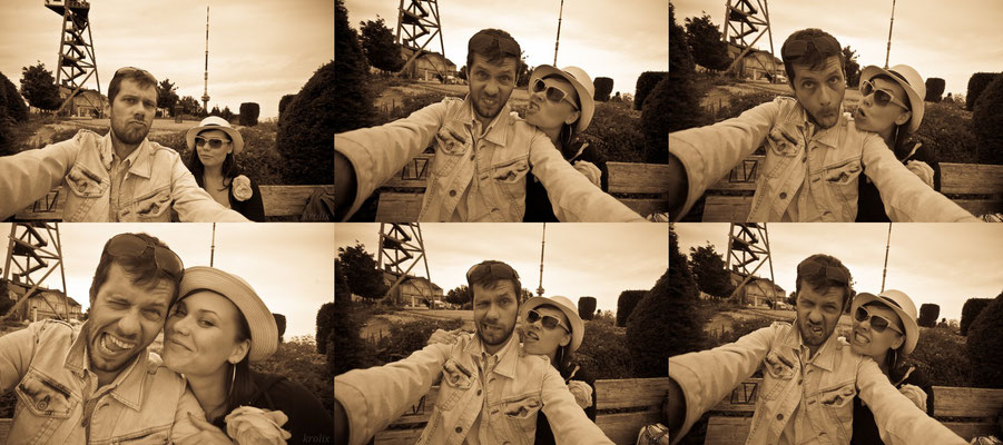 """Величественные фотки нас на фоне кафе и """"башни ветров"""""""