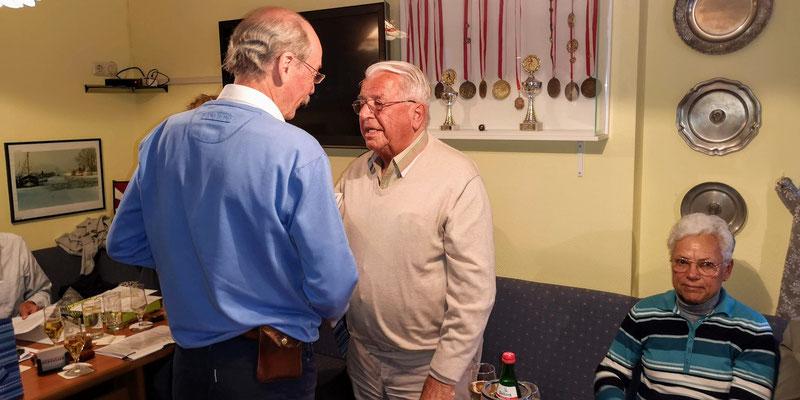 Joachim Kallmorgen re Besondere Ehrung für mehr als 40jährige Mitgliedschaft