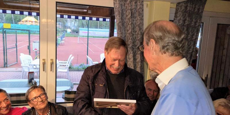 Dr. Ulf Heinke li Besondere Ehrung für mehr als 40jährige Mitgliedschaft