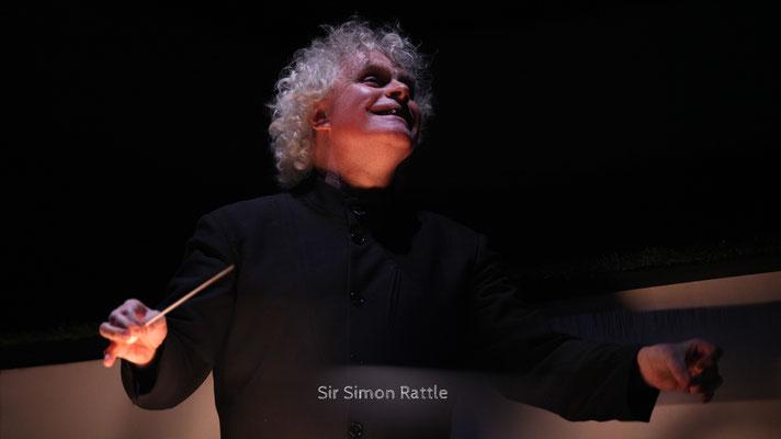 Sir Simon Rattle - Sir Simon Denis Rattle, OM, CBE ist ein britischer Dirigent und seit 2002 Chefdirigent der Berliner Philharmoniker.