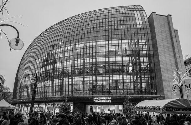 Köln, 5. Weltstadthaus (Walfisch), Architekt: Renzo Piano