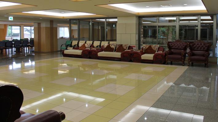 各階の広い共有スペース