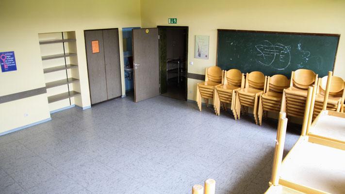 Neben dem Foyer und Esszimmer befindet sich im Erdgeschoss ein Gruppen- / Tagungsraum. Groß genug für alle Gäste lädt er ein zu Gesprächs- und Spielrunden, Vorträgen, Präsentationen, ...