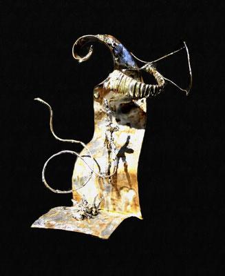 In zukunft Hoffnung (Höhe 25 cm ) Messing, Kupfer, Zink. Kleinformatige, teilweise mit der Lupe erstellte Arbeiten.