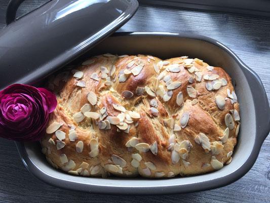 Hefezopf im Ofenmeister gebacken