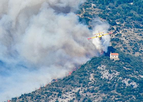the fire planes saved it, sie wurde gerettet, 2m nur haben gefehlt