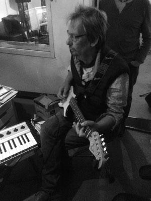 matthias meske an der gitarre