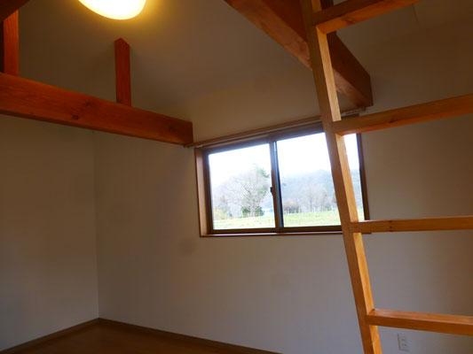 ロフトのある部屋