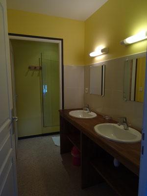 la salle de bain de la chambre 4 Ferme Relais de la Baie de Somme gîtes de groupe baie de somme