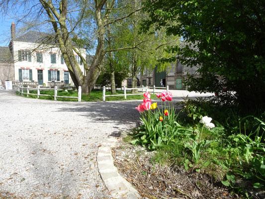 parking Ferme relais de la Baie de somme-hébergement-gîte de groupe-centre équestre chevaux Henson-mer-campagne-le Crotoy-Saint Valéry sur Somme-balades cheval-