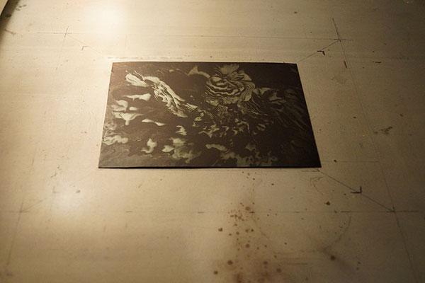 plaque photopolymère n° 1 encrée et essuyée