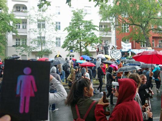 CO-WC Zeichen auf Festival Karneval der Kulturen