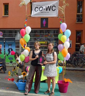 """""""Come Out of Water Closet"""" beim Lesbisch-schwulen Stadtfest Berlin"""